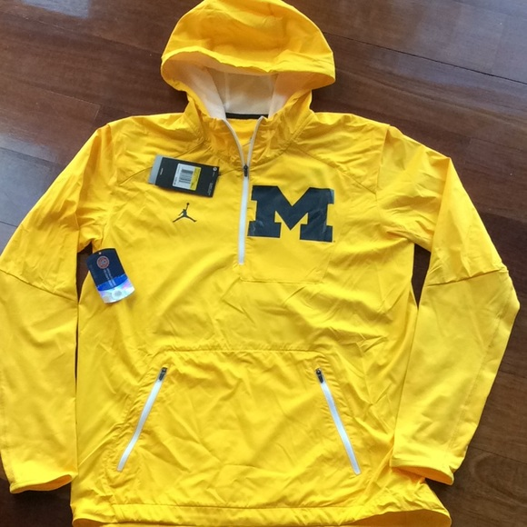 300b6798697a0c Michigan Nike Jordan Fly Rush Lightweight Jacket